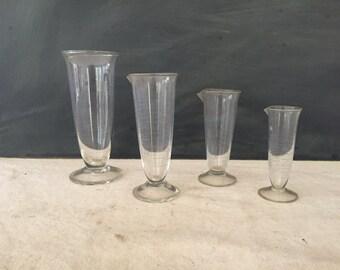 Vintage Graduated Beaker - Lab Beaker - Measuring Cup - Glass Beaker - Apothecary Beaker