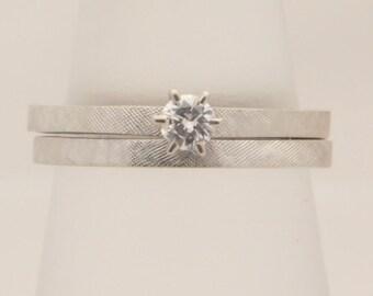 0.16 Carat T.W. Ladies Round Cut Diamond Wedding Set 14K