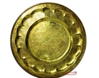 Moroccan TRAY VINTAGE BRASS Table Top Handmade Hand Engraved Diameter 67 cm. ( Ref. A )