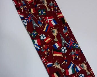 tie, necktie, VINTAGE SOCCER NECKTIE, maker unknown, vintage, retro, menswear, men, accessories, craft supplies, 100% polyester,futbol,sport
