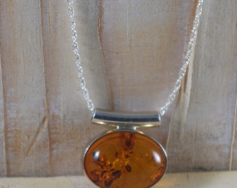 Pretty Vintage Oval Baltic Amber Pendant 925 Sterling Silver Tube Sliding Chain