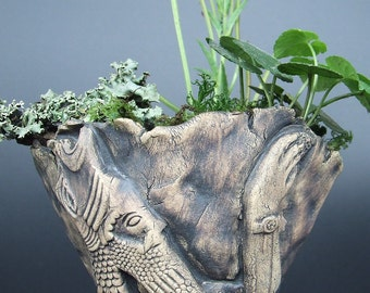 Kusamono display pot for herbs, bonsai, succulents, and cactus with ancient Babylonian design