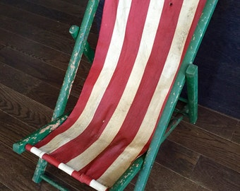 Vintage CHILD'S SLING CHAIR, 1940s Child's Folding Deck Chair, Red Stripes Canvas Fabric, Child's Deck Beach Chair
