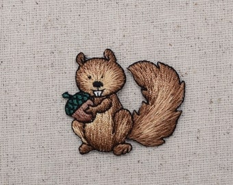 Squirrel with Acorn Nut - Embroidered Patch - Iron on Applique - 1510497