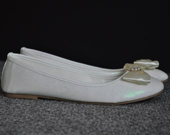Ballerina shoes White ballerina flat shoes with bow white ballerina shoes white ballerina flats bridal shoes low heels wedding shoes size 5