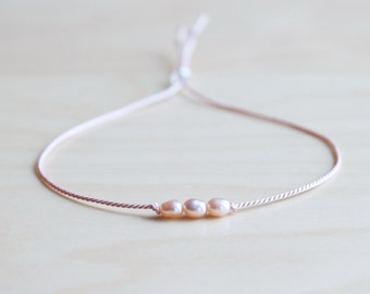 Friendship bracelet / dainty pearl bracelet /effortless chic bracelet / birthday bracelet