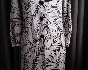Deco dress, XS, S, LeVoy's dress, palm leaf dress, black white dress, tropical dress, summer dress, spring dress, fall dress, shift dress