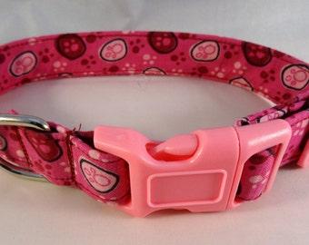 Dog Collar: Pink paws Medium