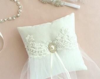 Ring bearer pillow, Ring boy pillow, Ring boy, Ring bearer, Lace ring pillow, White ring pillow, Tutu pillow, Tulle pillow, Pearl pillow