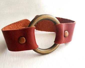 Leather bracelet / inspired by Joanna Gaines fixer upper / 3rd anniversary gift / O Ring Bracelet / Metal Ring Bracelet