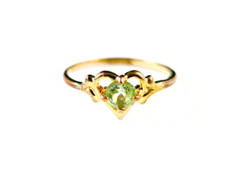 Vintage Seta Ring With Green Stone