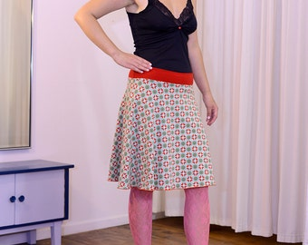 beautiful swinging skirt, patterned, red - green tone lime green, size 36/38