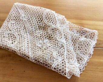 Antique Lace Tablecloth. Gros Point de Venise Lace, Ecru Off White Cotton Lace. Round Needle Lace Table Cloth. Crochet Scrolls, Honeycomb.