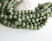 Green glass beads,  rustic round  lampwork beads, matte opaque , gritty textured aged look , indonesian   (16 beads)  6ak1-5