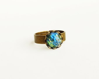 Green Opal Ring Small Vintage Emerald Glass Ring Harlequin Fire Opal Ring Victorian Opal Jewelry Iridescent Green Ring