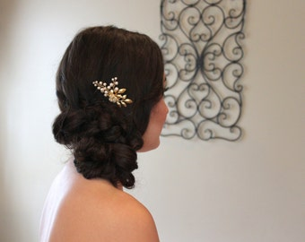 Bridal hair comb, Hair accessory, Gold hair comb, Leaf comb, Gold Wedding headpiece, Pearl hair comb, Bridal hair clip, Swarovski hair comb
