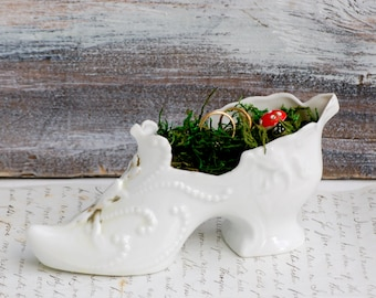 White SHOE Porcelain Ring Pillow White Glass Slipper Cinderella Wedding Fairy Tale Vintage Wedding