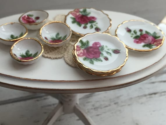 Miniature Red Rose Bowls and Plates Set, Dollhouse Miniatures, 1:12 Scale, 8 Piece Set, Gold Trim Bowls and Plates, Dollhouse Accessory