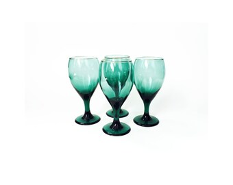Mid Century Emerald Green Wine Glasses / Set of 4 / Gold Rims
