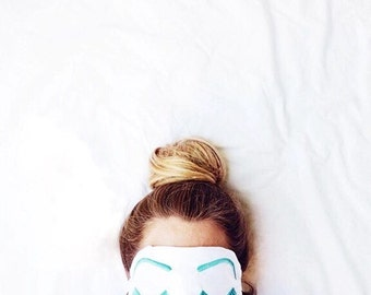 Holly Golightly sleep mask WHITE and AQUA