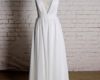 Sexy Style Wedding Dress with Chiffon Skirt V-neck Bridal Gown Sleeveless Wedding Dress with Simple Straps Back