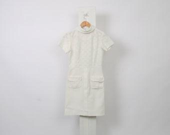 60s VINTAGE White TEXTURED Double Pocket Womens Au 8 Us 4 Cowl Neck Collar Zip Mini Shift Babydoll Polyester Mod Twiggy Bridal Dress
