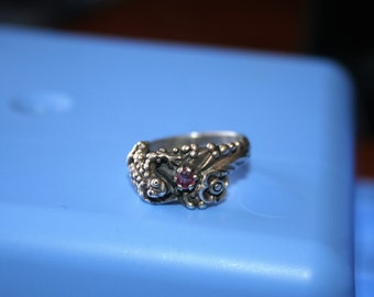 Vintage Sterling Silver Big  Frog  flowers garnet stone Ring 6 AND 3/4 Twig Diorama  Stunning