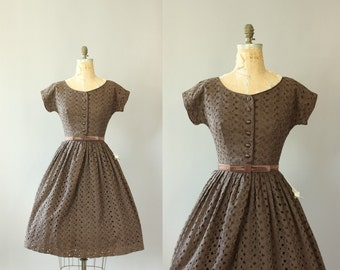 Vintage 50s Dress/ 1950s Cotton Dress/ Brown Eyelet Cotton Dress w/ Matching Bow Waistbelt M