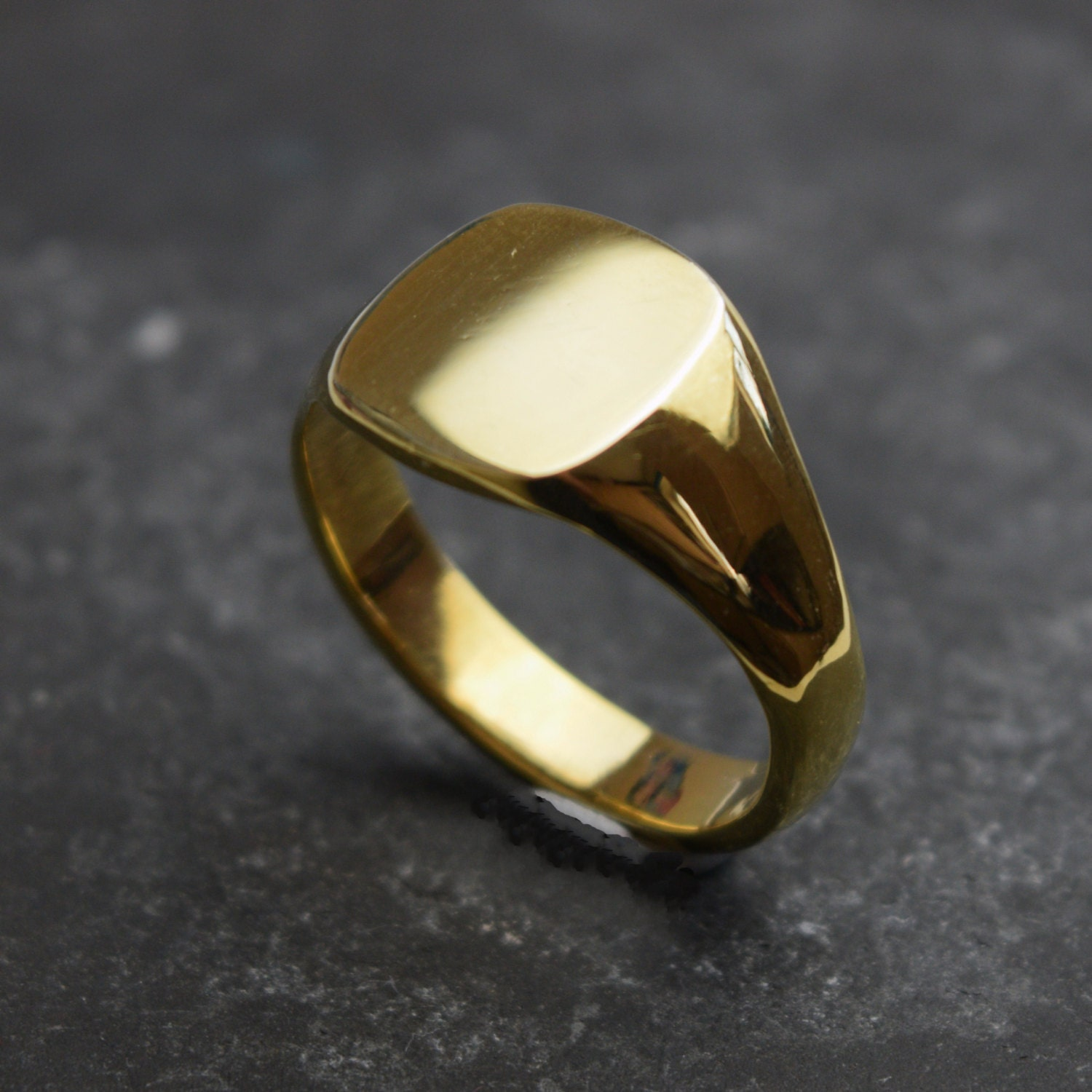 cushion signet ring gents 9ct gold signet ring