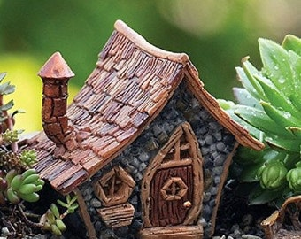 Micro Thatched Crooked House-  Terrarium Fairy Troll or Gnome Home Cottage  - Woodland Miniature Fairy Garden Dollhouse Diorama accessories