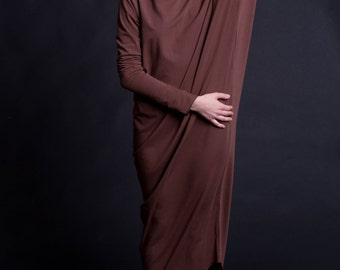 dress with asymmetric sleeves