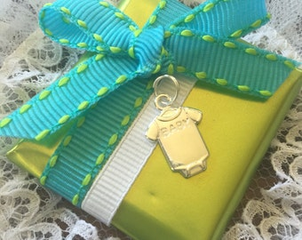 Baby shower favors, baby boy, Baby onesie, decorated chocolate, welcome baby boy,