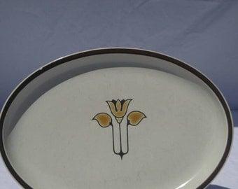 Denby stoneware platter, 1970s, gold tulip