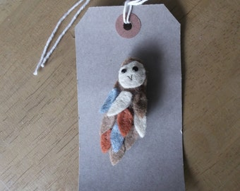 Felt barn owl brooch