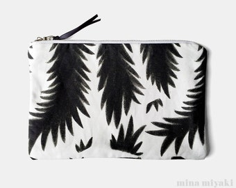 Botanical Branches Print Black and White Zipper Makeup Pouch, Cosmetic bag, Purse, gift, BW Clutch, Cotton Linen Canvas, Metallic zipper