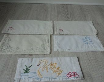 Five French vintage hand made embroidered linen napkin holders (01492)