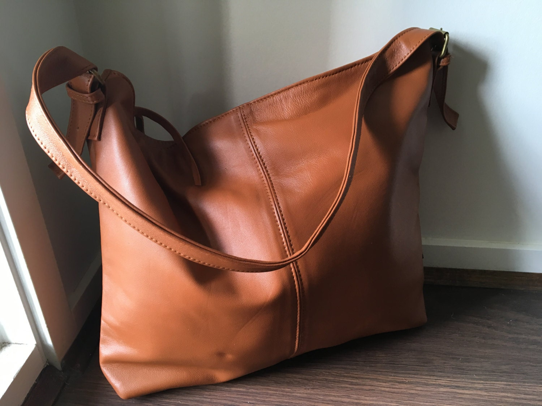 Single Strap Leather Tote Bag.Adjustable belt