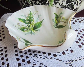 Free Shipping Hammersley Unusual Beautiful Lillies of the Valley  Bone China Shell Shaped Footed Dish
