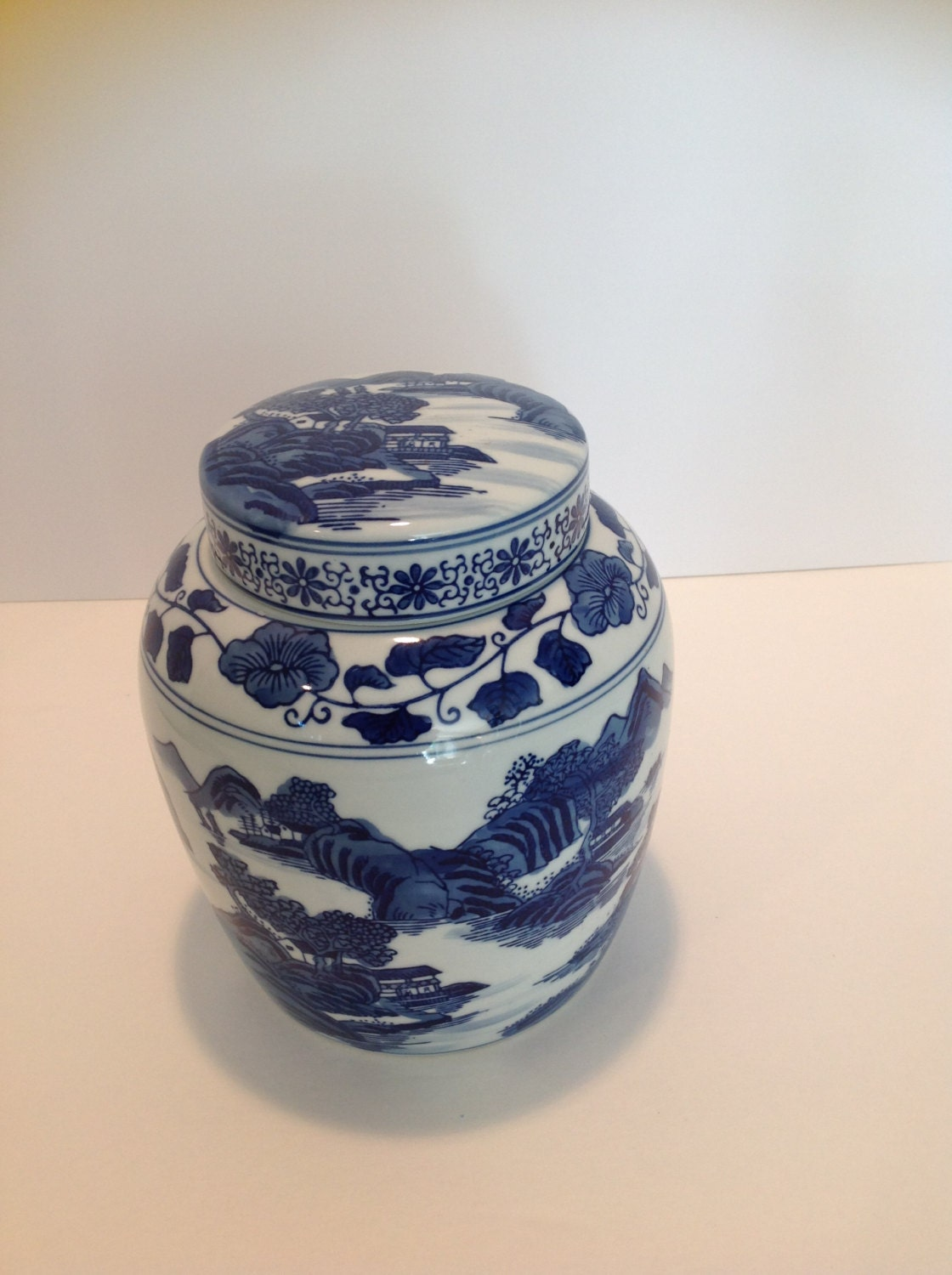 blue and white chinoiserie ginger jar. Black Bedroom Furniture Sets. Home Design Ideas