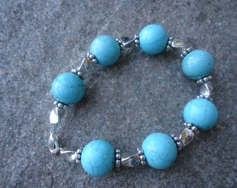 Turquoise stones and silver nuggets chunky bracelet trendy elegant beautiful quality well made fashionable natural stone pretty bright