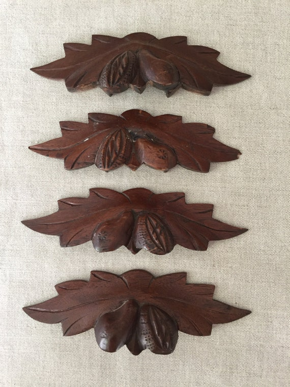 Set Of 4 Antique Carved Wood Drawer Pulls Handles Leaf Nut