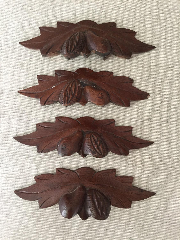 Set Of 4 Antique Carved Wood Drawer Pulls Handles Leaf Nut