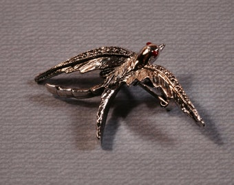 Vintage Swallow Pin / Brooch