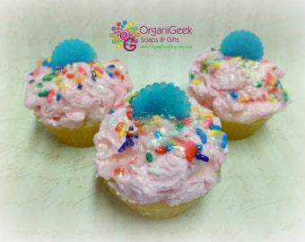 Strawberry Cupcake Soap, Organic Homemade Style Cupcake Soap with Sprinkles, Vegan Cupcake Soap, Dessert Soap, Cupcake Soaps, Strawberry
