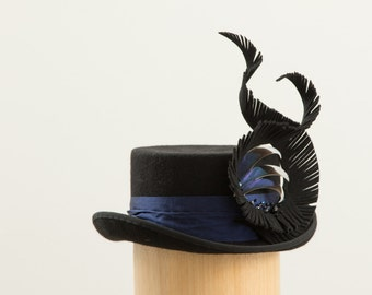 Swirl Feather Topper