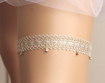 Wedding garter, bridal garter, toss garter, lace garter, rhinestone garter, crystal garter, lace wedding garter, gold garter
