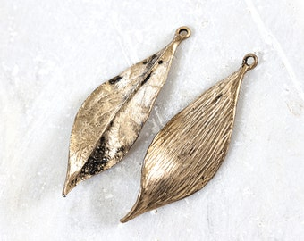 1289_Pendant leaf 17х50 mm, Gold plated pendant, Leaves pendant, Golden tortile leaf, Jewelry component, Golden pendant, Metal pendant_2 pcs