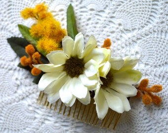 Bridal Flower Hair Comb. Ivory Daisy Silk Flower Hair Comb. Wedding Hair Piece. Silk Daisy Hair Accessory. Wedding Flower Hair Accessory.