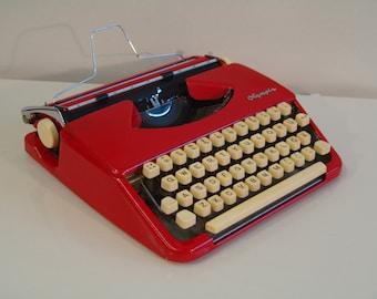 Flaming Red Olympia Splendid 33 Portable Typewriter Qwerty Keyboard Vintage Working Typewriter New Ribbon LOVE LOVE LOVE