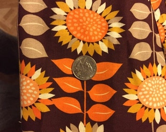 Vintage cotton sunflower pattern quilting fabric. One yard total.